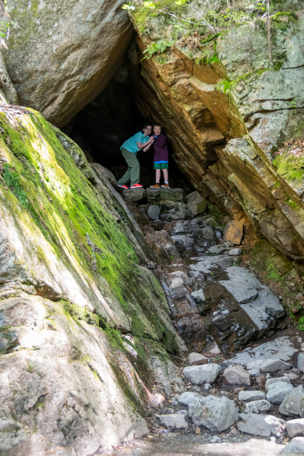 The Bear Cave - Sinéad and Andy climbed into the bear cave and then got worried about what might be lurking in the shadows.