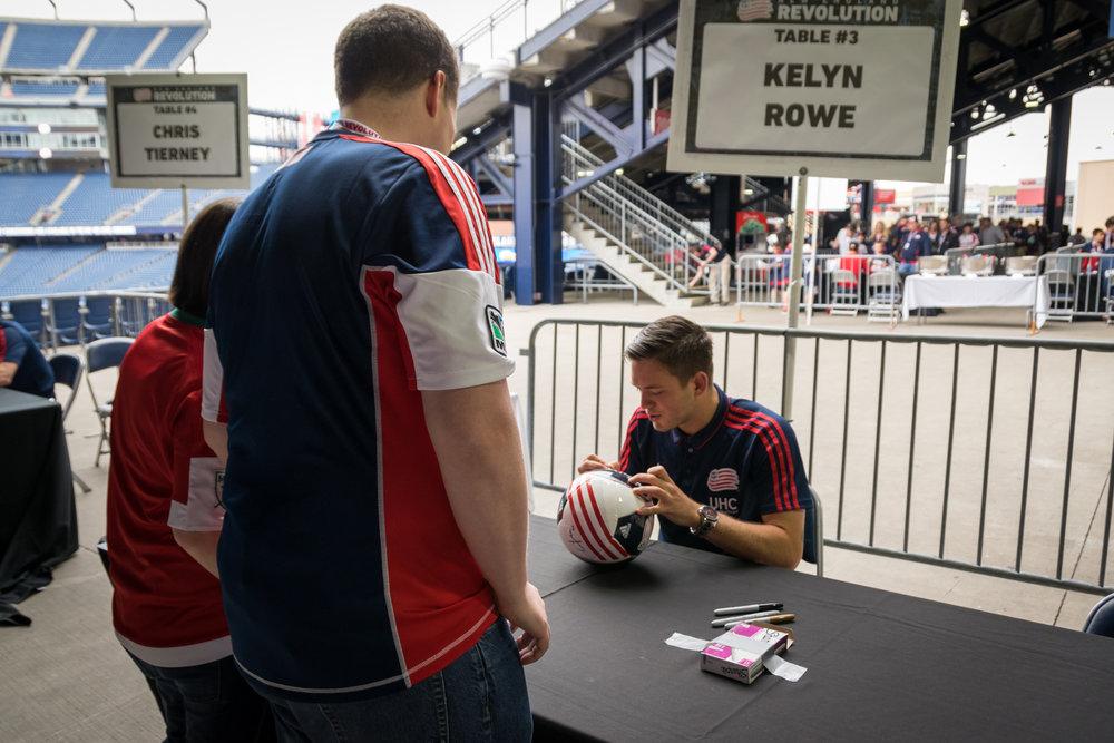 Kelyn Rowe Signing