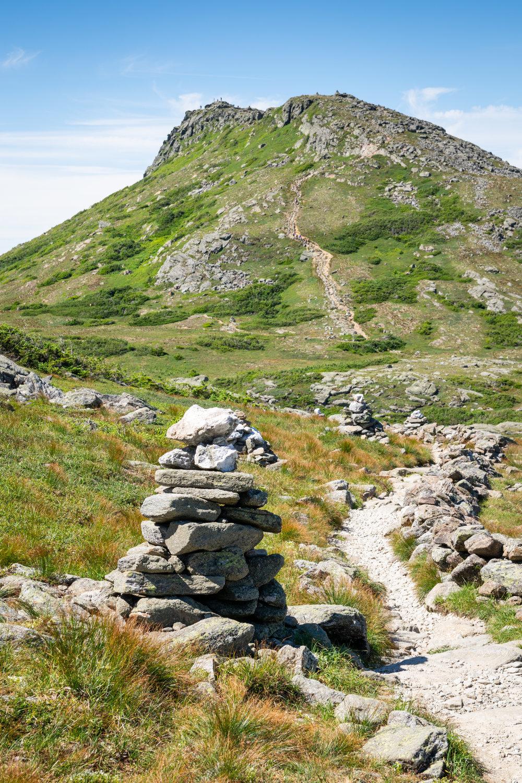 The Return Trail leading up Mount Monroe.