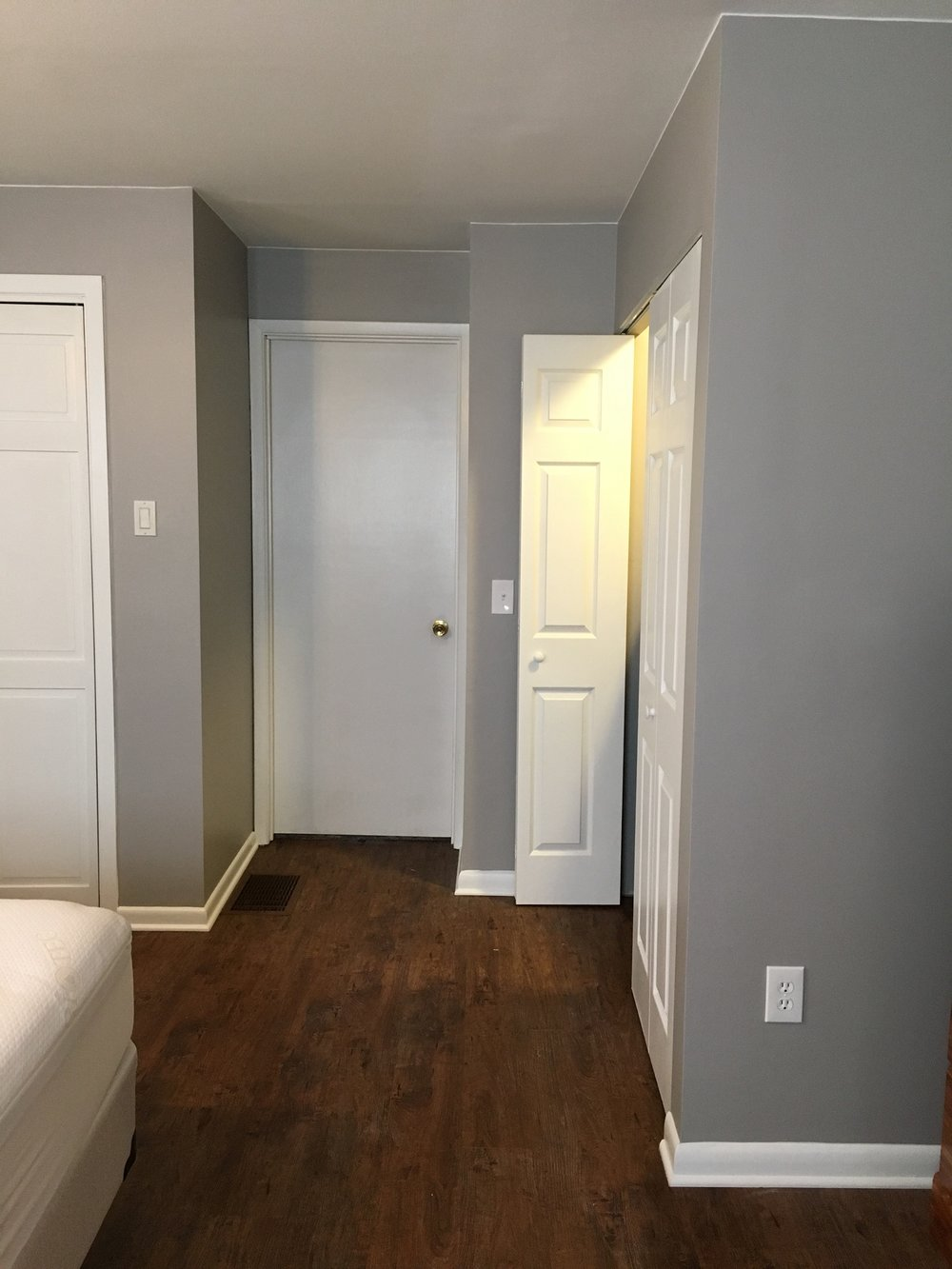 Fully Accessible Closet
