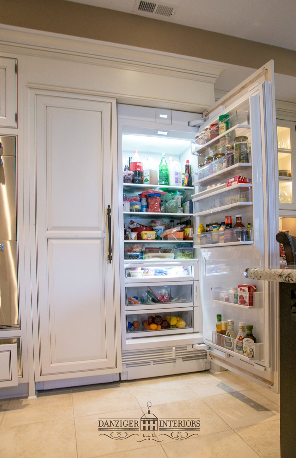 Open Refrigerator / Freezer left side