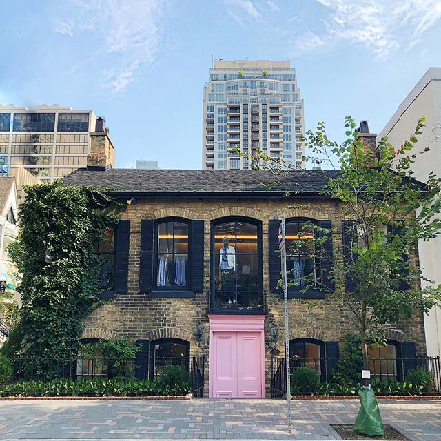 When your client requests a pink door, you give her a pink door. 〰️ The latest insta-worthy pink door -  now in #Yorkville @pink_tartan #thepinkdoor
