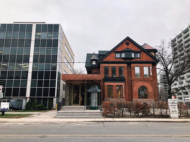 Toronto's new home for francophone culture has officially opened its doors @afdetoronto.  Design by @hariripontariniarchitects  Build by @rothconfinehomes