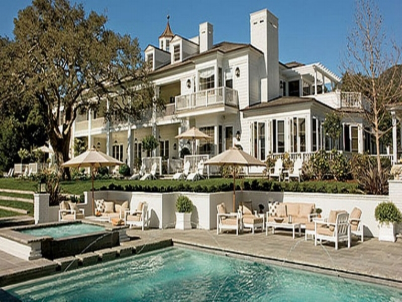 Rob Lowe Mansion