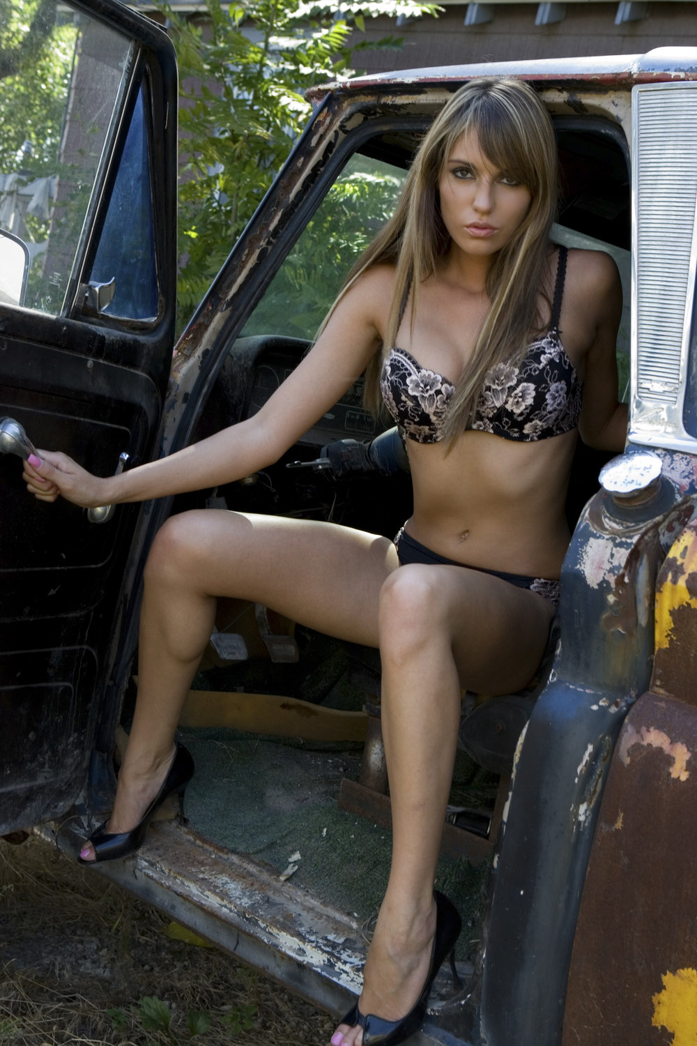 lindsey in truck for web.jpg
