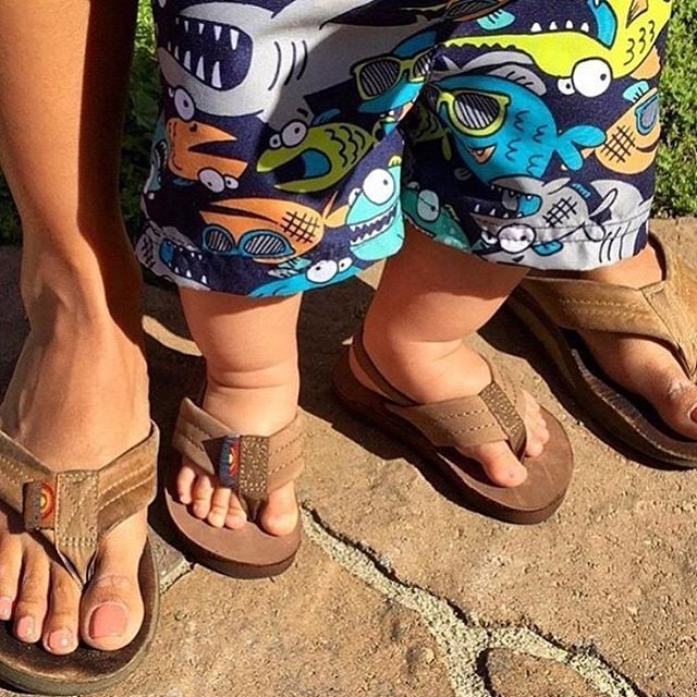 Rainbows for the tiniest toes! #rainbowsandals #leathersandals