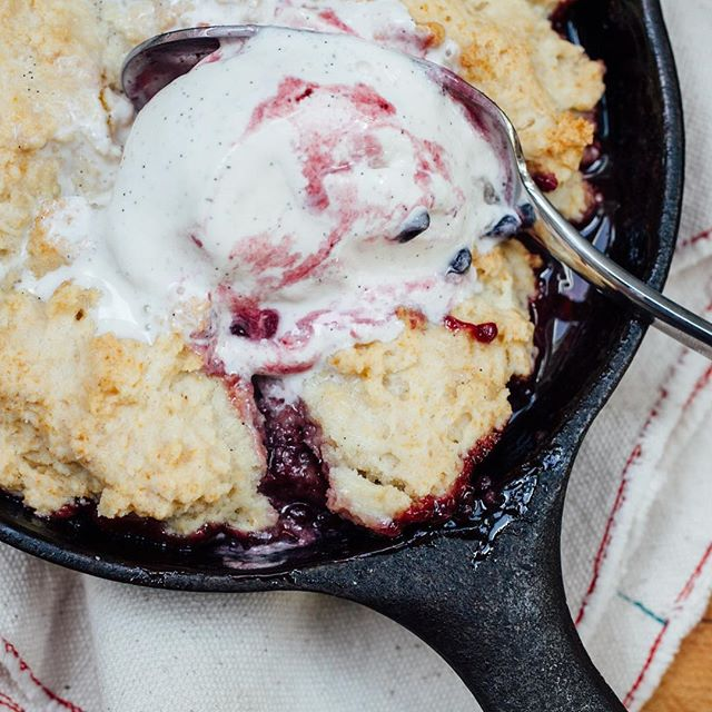 One of our fave desserts — blackberry cobbler with Strauss vanilla bean ice cream! 😋