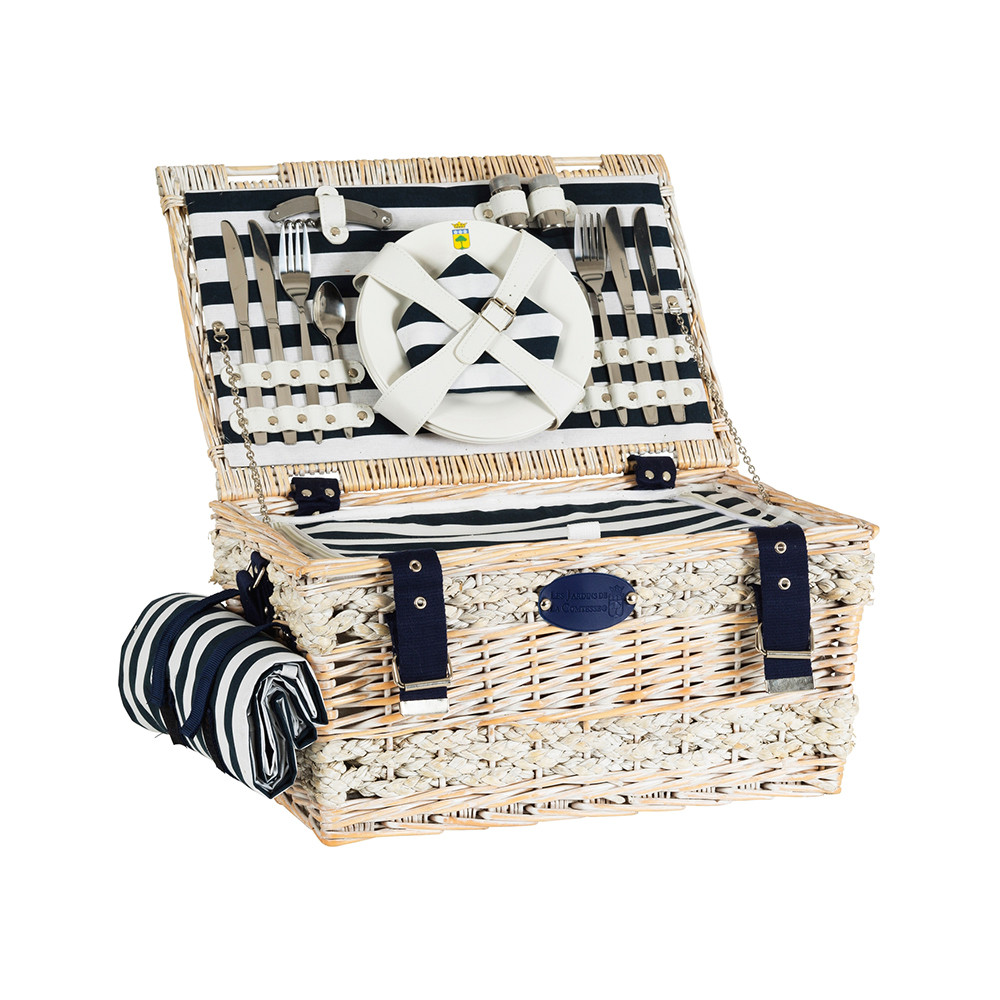 four-person picnic basket