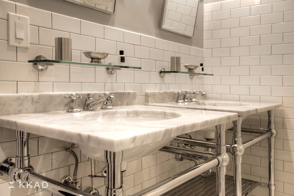 Q & C Hotel King Guest Bathroom