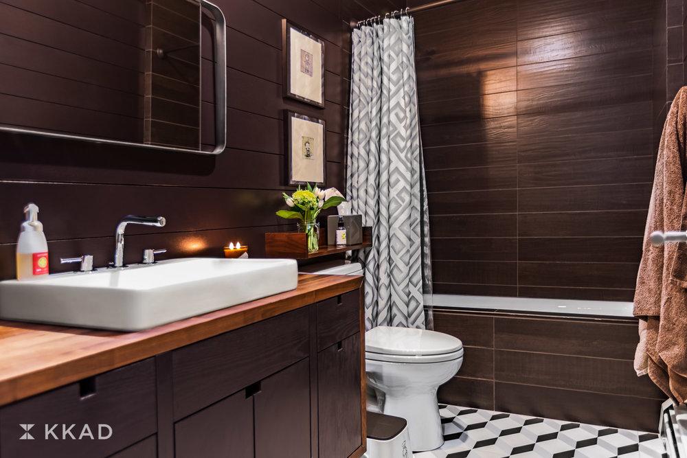 Hedges_Bathroom.jpg