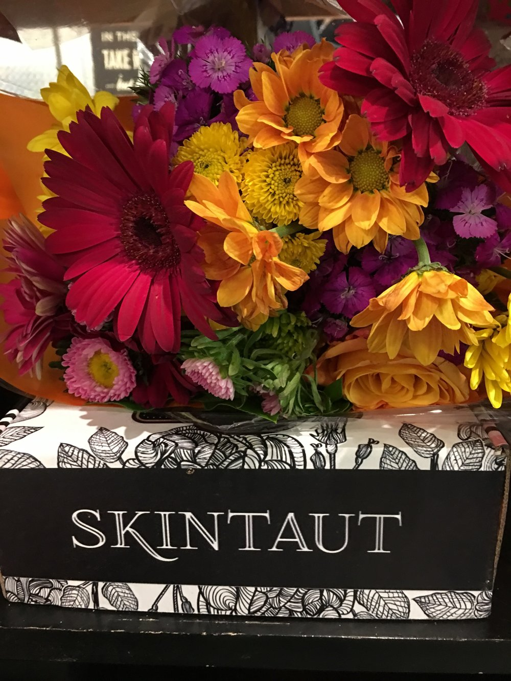 skintautbox_flowers.JPG