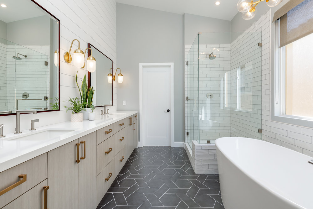 700 7th Bathrooms-10.jpg