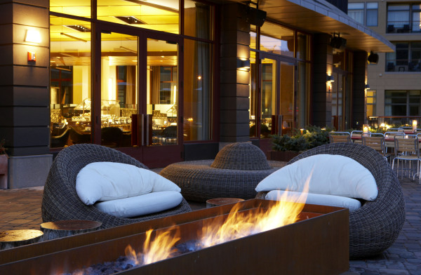 Westin-Riverfront_CML_OutdoorLounge_26_LO-600x392.jpg