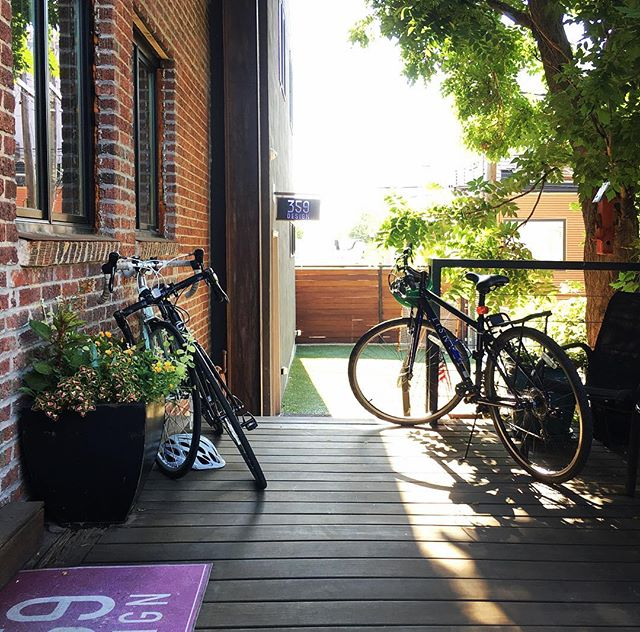 359 Parking lot on this Bike to Work Day. . . . #denver #biketowork #biketoworkday #bicycle #commute #porch #outdooroffice #architecture #design