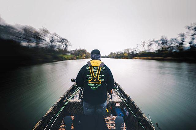 The Getaway #ERTX. . . . . #atx #creeksandgeeks #cityanglers #getoutside #photography #nikonphotography #nikon #getoutside #texas #bassfishing #loweboats #jetboat #heedthecall #uafish