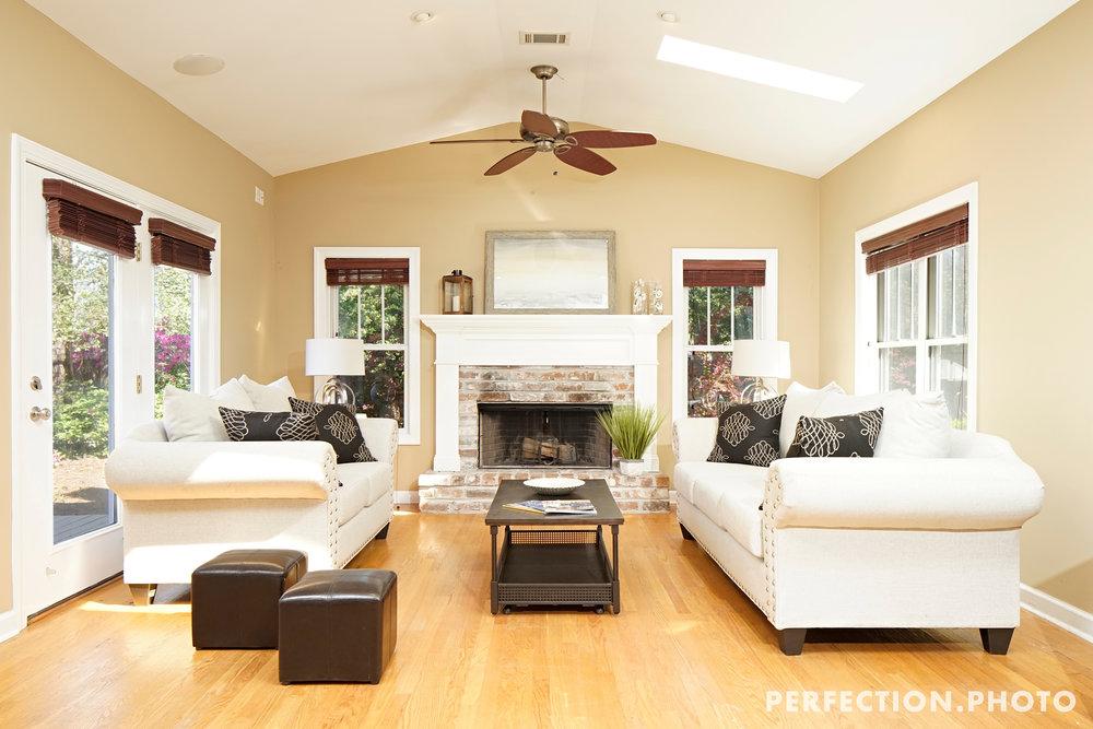 206brandywine-livingroom.jpg