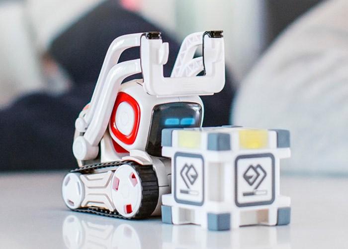 anki cosmo robot.jpg