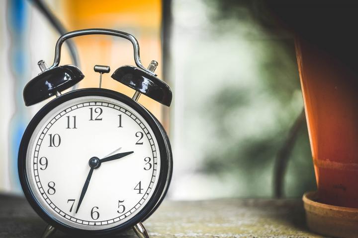 daylight-saving-time-clock.jpg