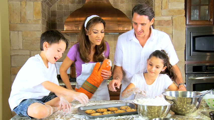 family baking cookies.jpg