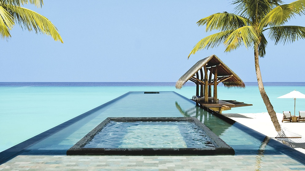 OneAndOnly_ReethiRah_PoolsAndBeaches_Pools_Misc_MR.jpg