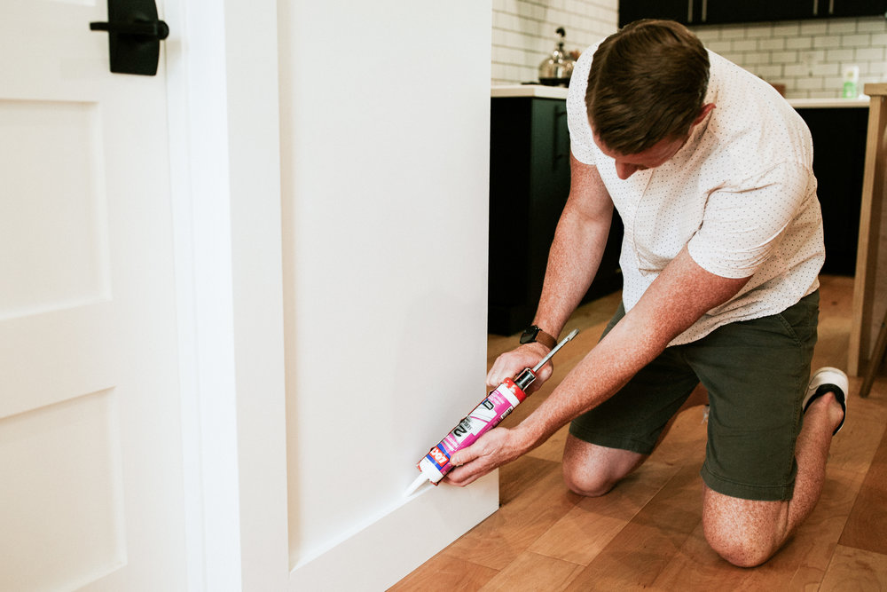 4 home renovation projects anyone can do themselves. Laying engineered hardwood floors, replacing/installing floor trim, getting rid of popcorn ceilings, and installing mosaic tile sheets are all easy projects you can tackle yourself.