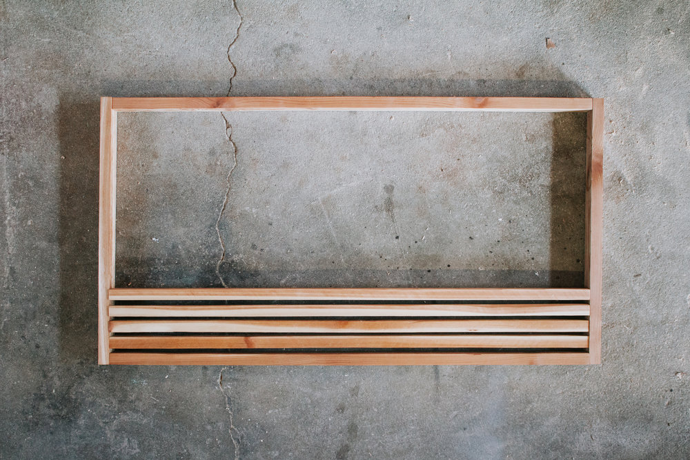 DIY Wood Slat Doormat - Make your own cedar wood doormat. Modern doormat with beautiful wood grains and a simple design. Step by step instructions by Nadine Stay.