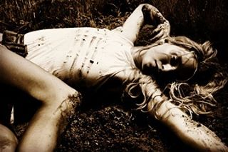 Sometimes you gotta embrace your own dirt. #selfmade #exploreeverything #fairies  #fashion @angiesmodels @twomodelsdo