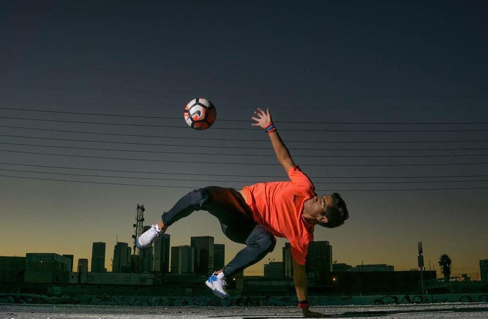 usa freestyle soccer champion - alex mendoza