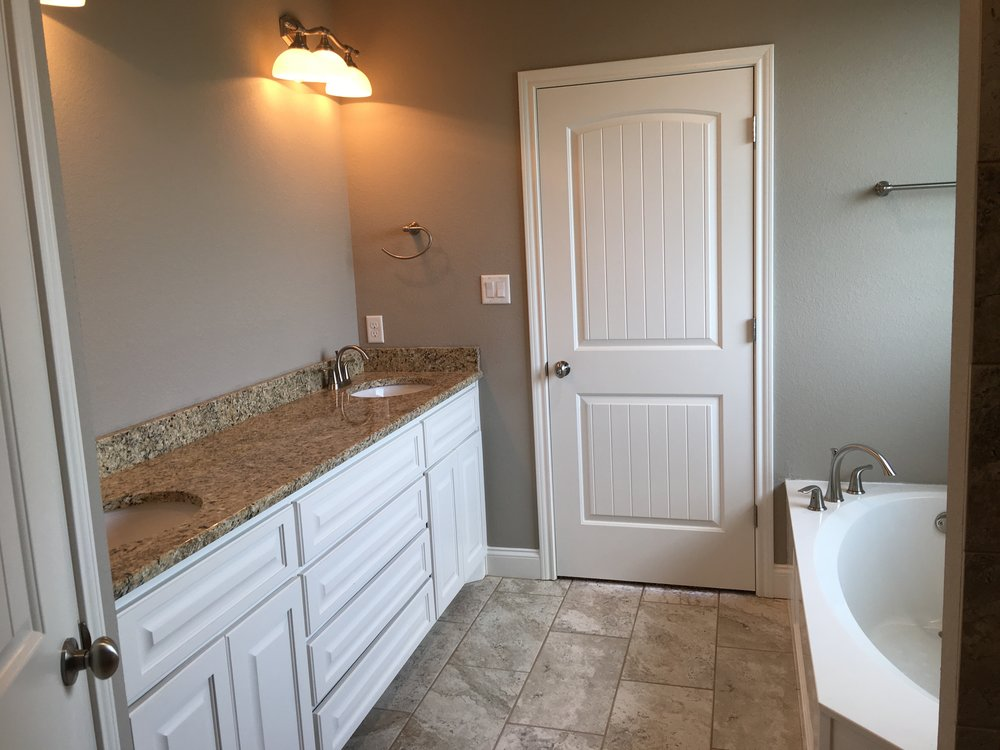 Double Vanity Master Bath with Tub