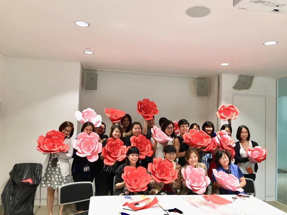 paper flower class 3.jpg