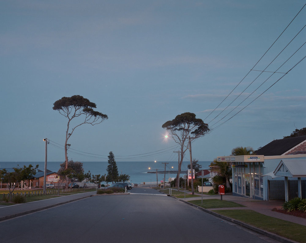Mollymook---down-street-towards-beach.jpg
