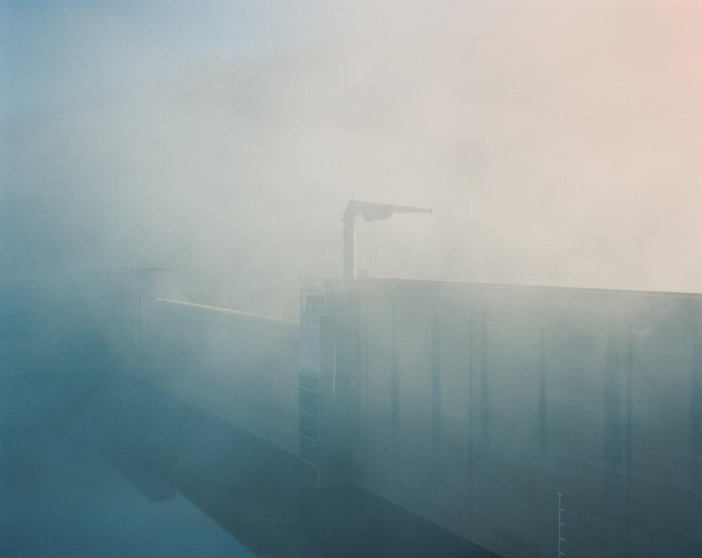 Tantangara - dam wall in fog from behind.jpg