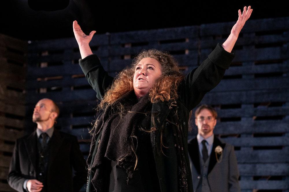 Anthea Thompson in Richard III. Photo credit: Jesse Kramer.