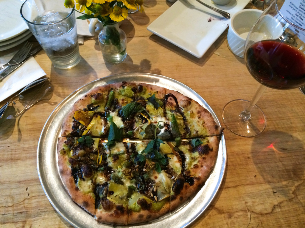 pizza, flatbread, earth bread brewery, philadelphia, chestnut hill