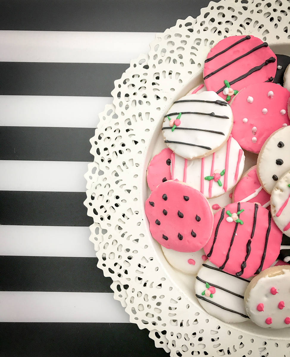 black-white-baby-shower