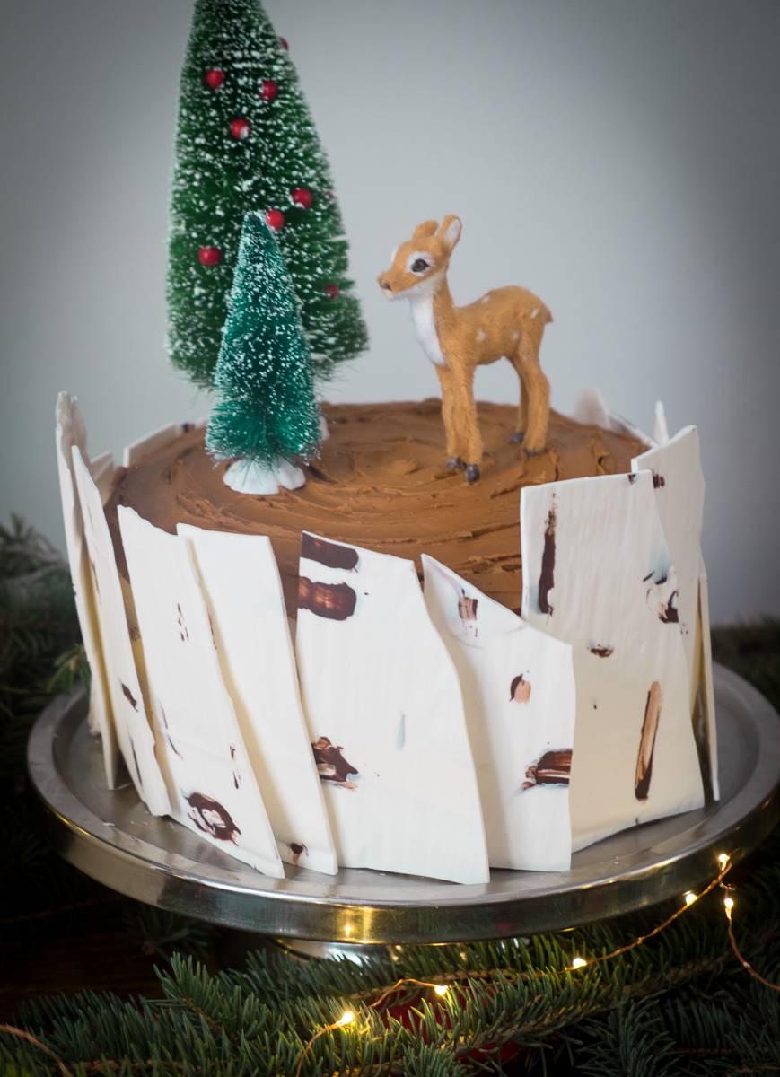 winterbirch-cake-holiday-Christmas-party-into the woods
