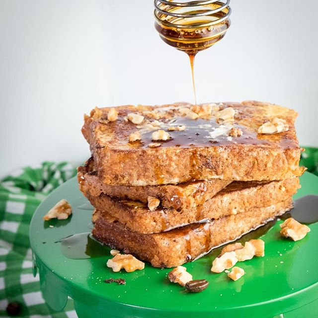 Hey, y'all. It's almost St. Patrick's Day so it's about to get boozy in here. You all ready for this?  Get the recipe for Irish Whiskey French Toast today on A Sweet Little Life. #stpatricksday #breakfastrecipes #whiskey #frenchtoast #coffee #coffeesyrup