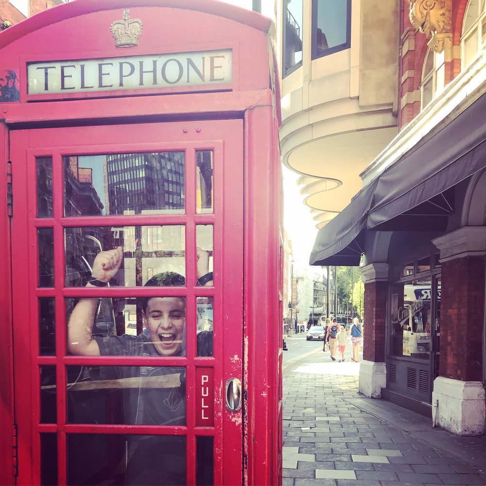 London-phonebooth-england-travel-kids