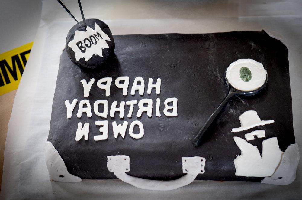 secret-agent-spy-birthday-party-cake