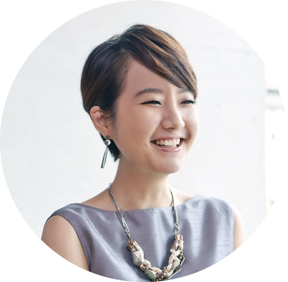 Liz   高琹雯    擁有台灣與美國紐約州雙律師執照,卻投身美食界成為貪吃鬼。部落格「美食家的自學之路」得到美食界關注,並著有《我的日式食物櫃》一書。