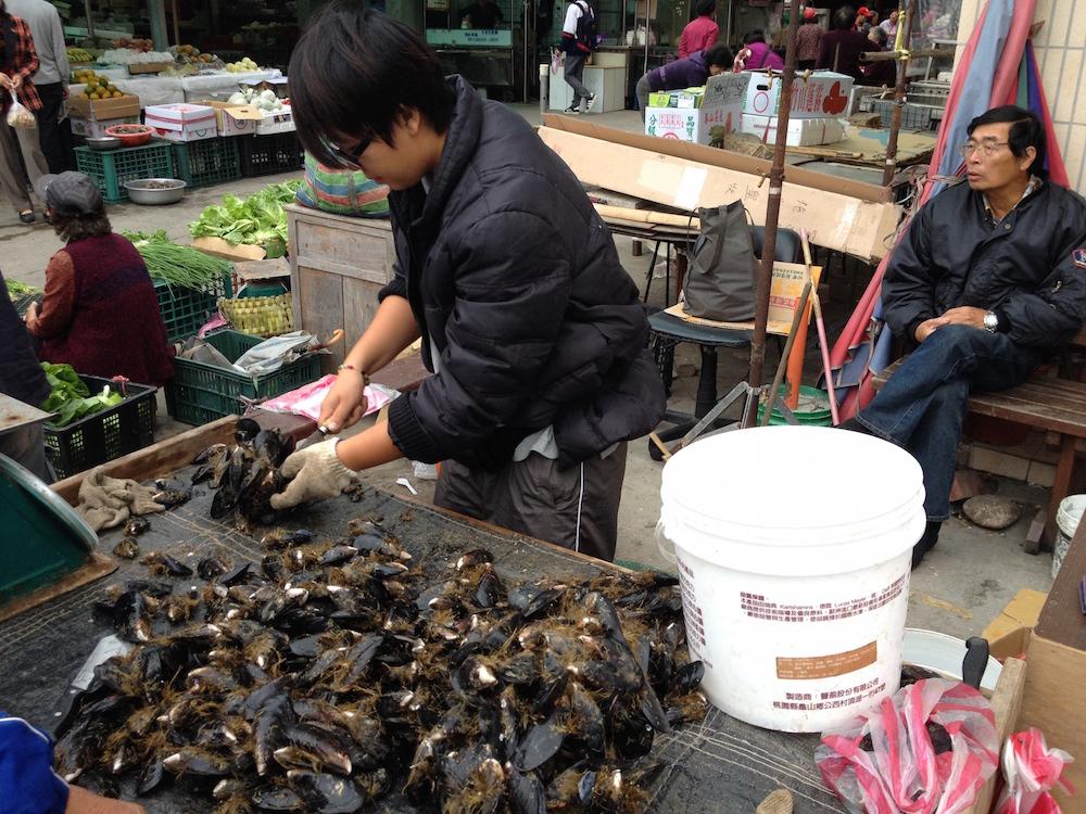 我們台灣就有很好的馬祖淡菜品嚐,不需要一定要透過進口