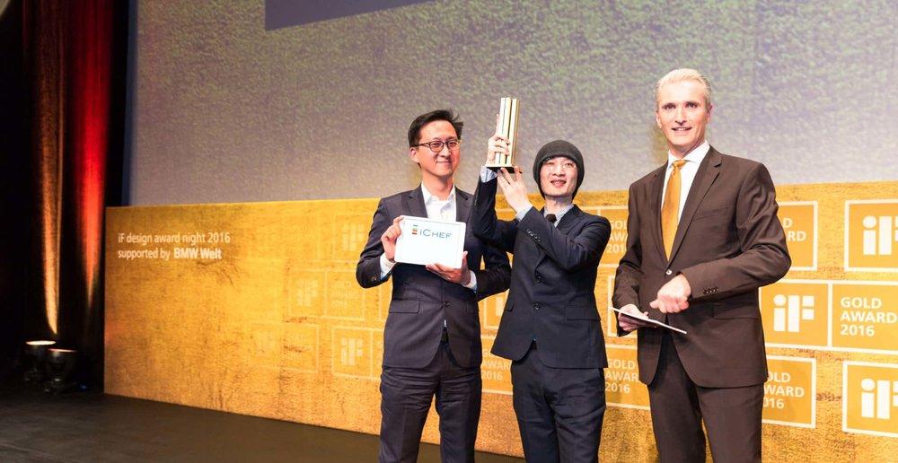 iCHEF POS點餐系統行銷長程開佑與首席設計師榮獲2016德國iF設計金獎