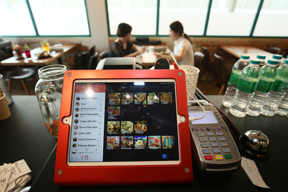 user-case-flag-ichef-pos-system-malaysia-Patissez-ipad-pos.jpg