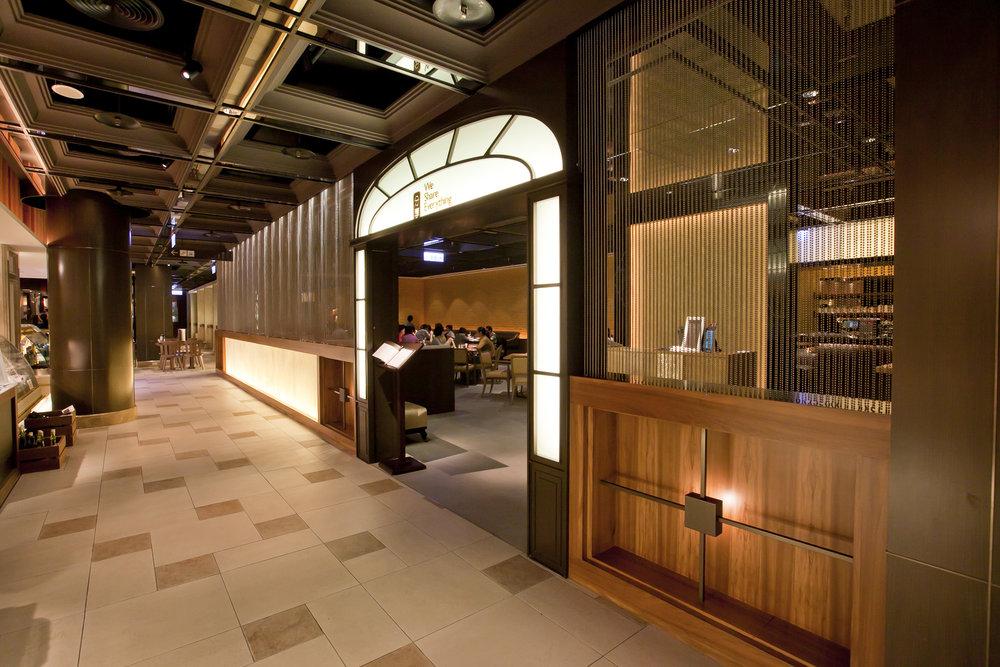 同時擁有開放用餐區以及獨自營運餐廳的 Bellavita B2美食街是複合式美食街最好的例子。