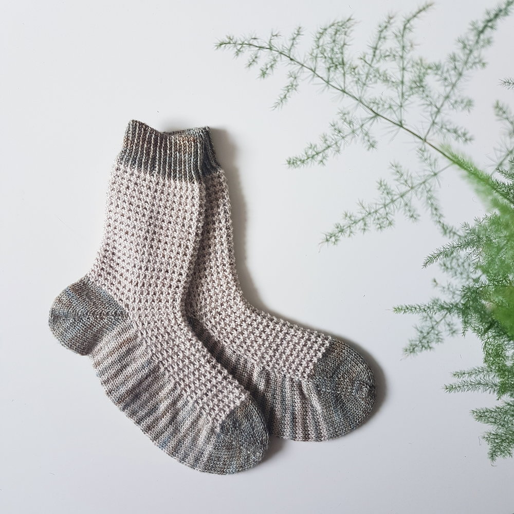 Gaufre Socks: Free Knitting Pattern