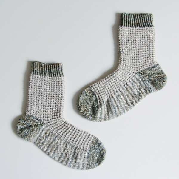 Free Knitting Pattern: Gaufre Socks | Sister Mountain