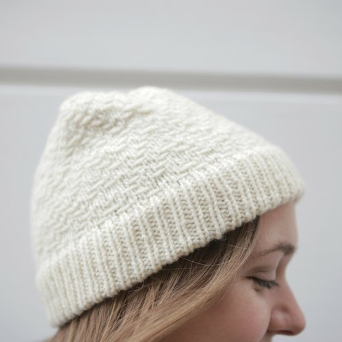 ed80502a609 7 Quick and Cosy Examples of the Bowman Hat