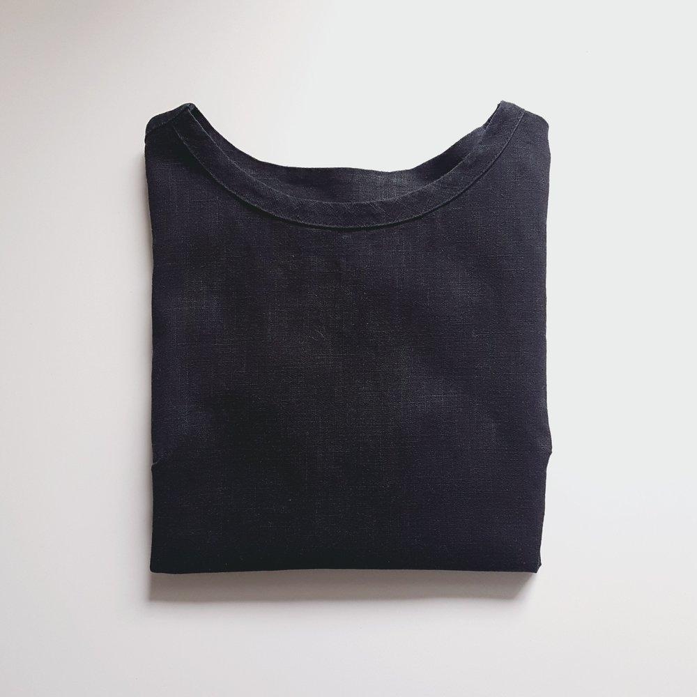 Camber Set Top in Black Linen