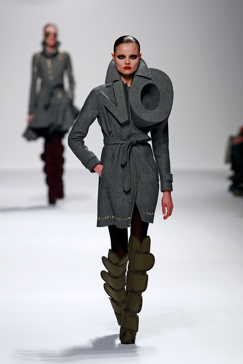 Viktor and Rolf, 'NO' Coat, Autumn/Winter 2008; photography Team Peter Stigter.