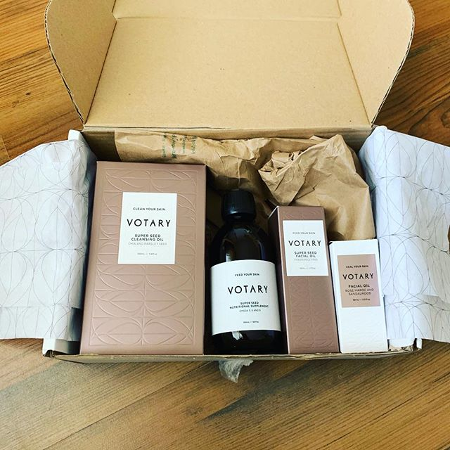 January treats @magazinelaundry from one of our fav brands, the Uber cool @votarylondon. Check out our full review coming soon on this fabulous brand and their amazing super seed range. Much needed in our January detox routine. . . . .  #votary #votarylondon #januarydetox #luxury #love #fashion #beauty  #model #lifestyle  #style #photooftheday  #photography #happy #authentic #urbanstyle #trend #styleoftheday #look #makeup #dublin #london #losangeles #sydney #newyork #paris